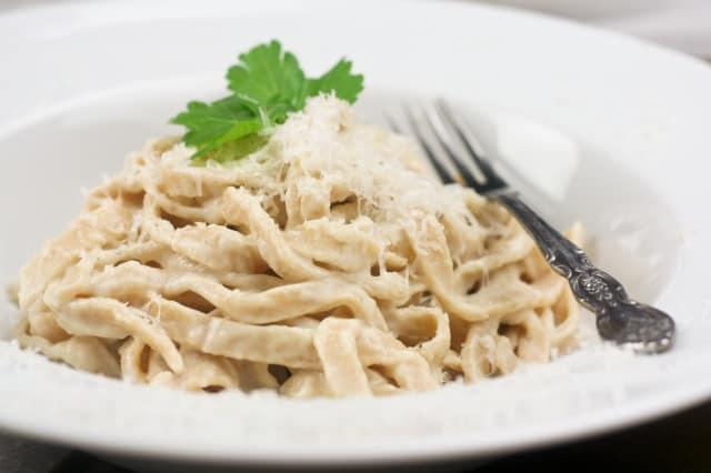Healthy Fettucine Alfredo | by Sonia! The Healthy Foodie