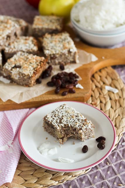 Baked Apple Cinnamon Quinoa Squares - The Healthy Foodie