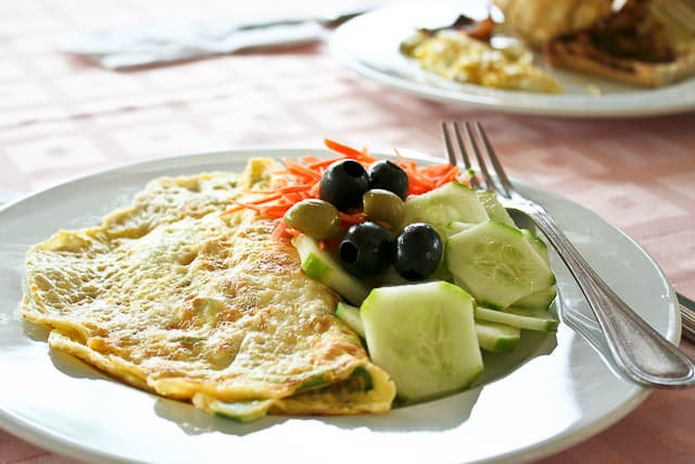 Omelet and Veggies | Snack Bar - Playa Blanca Hotel - Cayo Largo