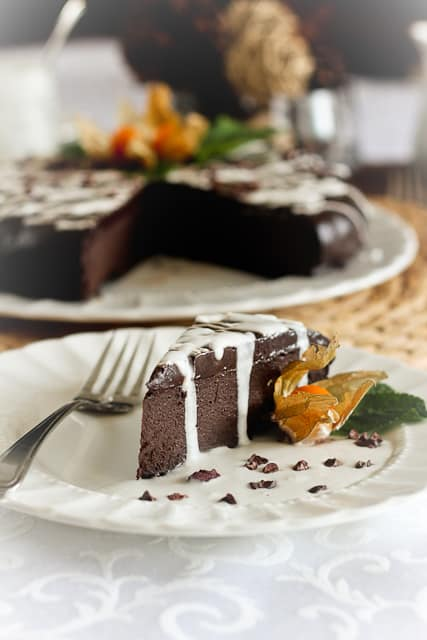 Rich Yet Healthy Flourless Chocolate Cake | by Sonia! The Healthy Foodie