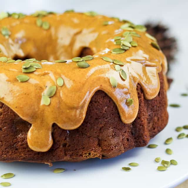 ... Too Healthy Thanksgiving Dessert: Spicy Pumpkin and Apple Bundt Cake