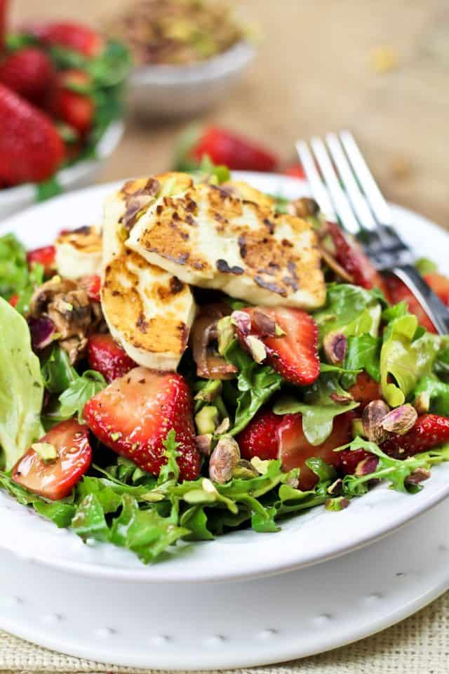 Strawberry and Arugula Salad with Grilled Halloumi • The Healthy ...