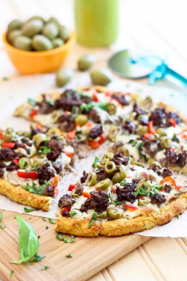 Cauliflower Crust Pizza | thehealthyfoodie.com