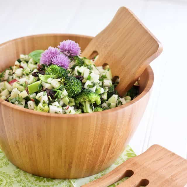 Crunchy and Refreshing Kohlrabi Salad