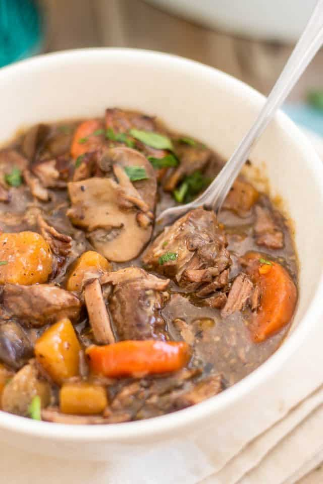 Slow Cooker Squeaky Clean Boeuf Bourgignon | www.thehealthyfoodie.com