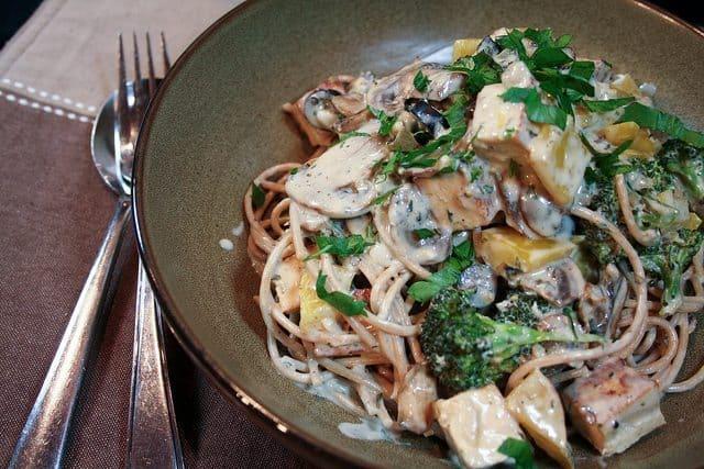 Creamy Cheesy Broccoli Spaghetti • The Healthy Foodie