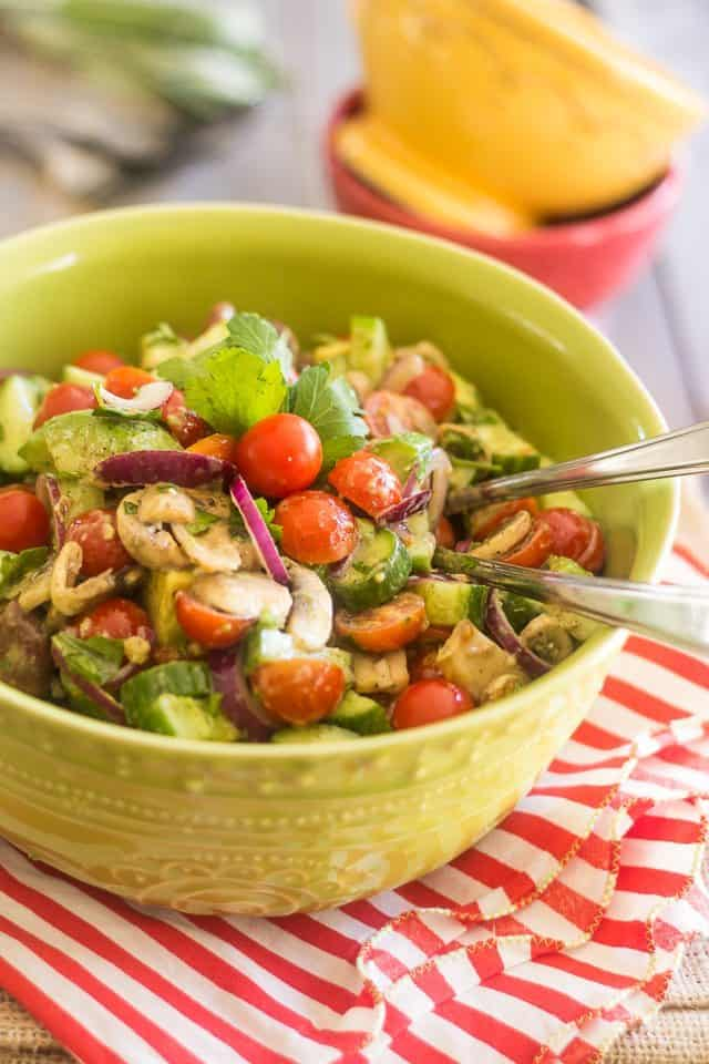 Quick Tomato Cucumber Salad | thehealthyfoodie.com