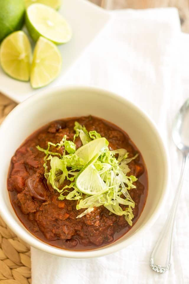 Beanless Chili | thehealthyfoodie.com