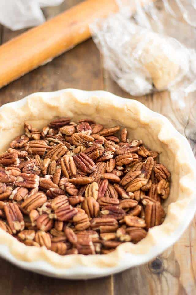 Paleo Pecan Pie | thehealthyfoodie.com