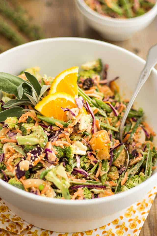 Broccoli Carrot Orange Slaw | thehealthyfoodie.com