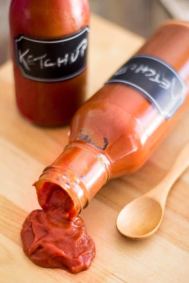 Paleo Ketchup | thehealthyfoodie.com