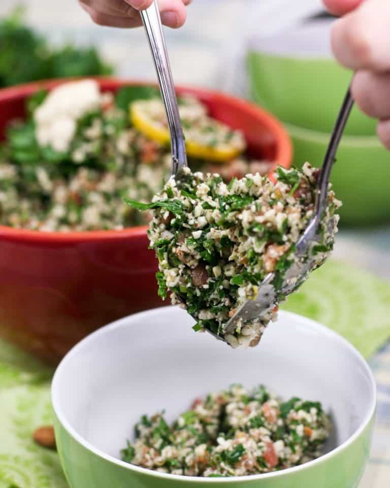 Cauliflower Tabouleh | thehealthyfoodie.com