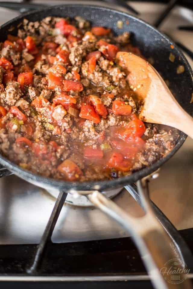 Beef Tomato Quinoa Macaroni | thehealthyfoodie.com