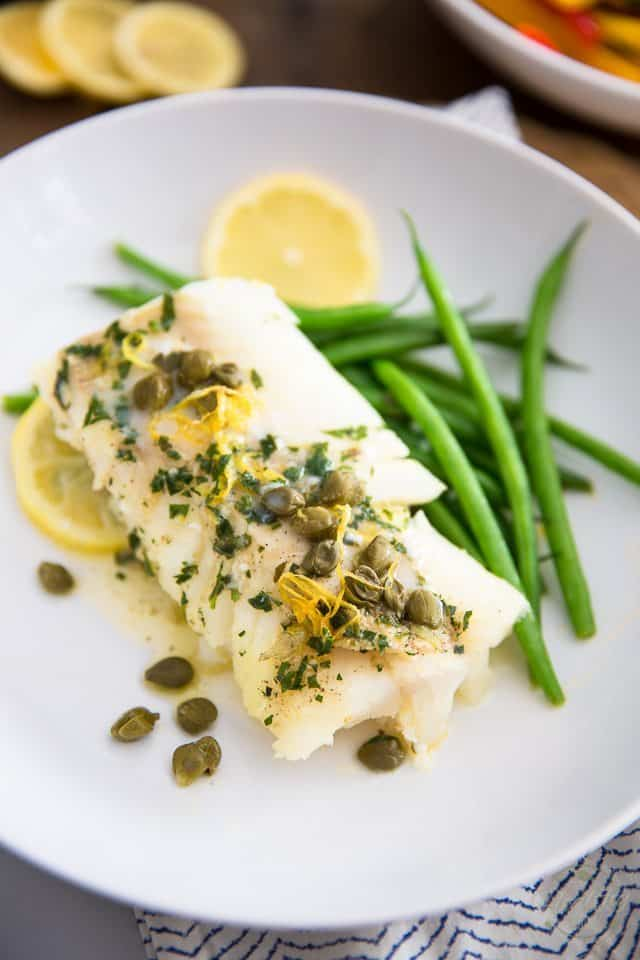 Lemon Caper Baked Cod | thehealthyfoodie.com