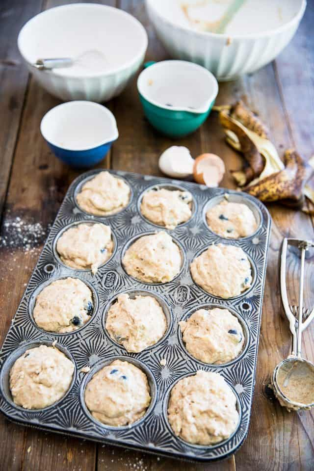 Virtually fat free and sweetened with nothing but fresh fruits | Banana Blueberry Muffins | Step-by-step Instructions on thehealthyfoodie.com