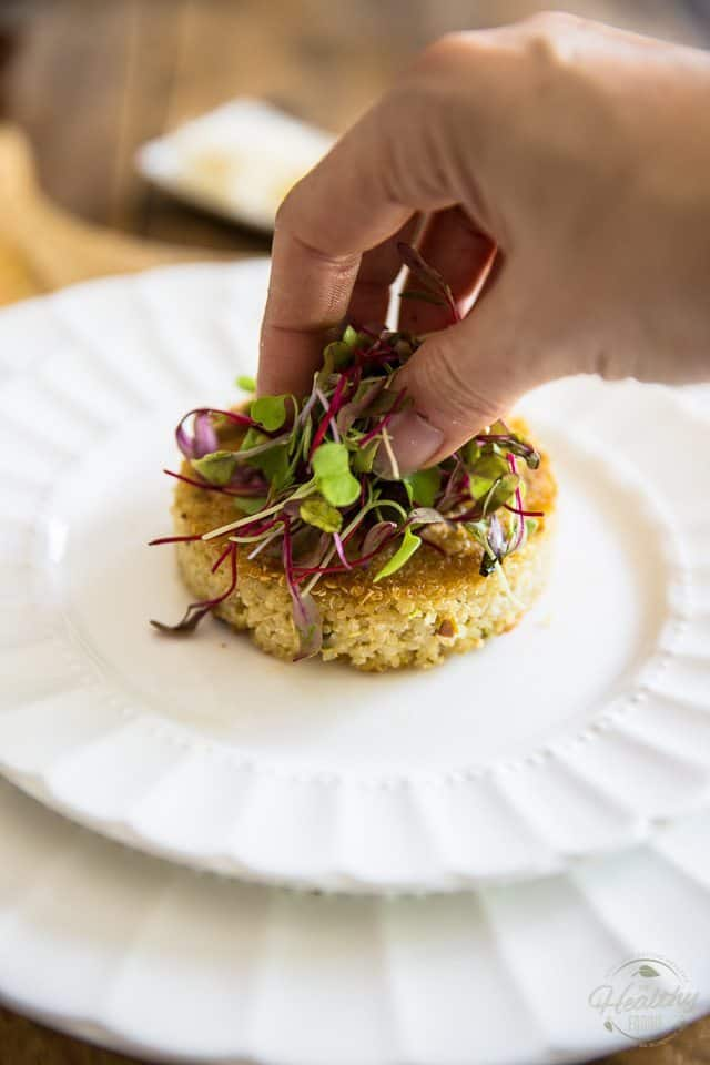 Poached Egg over Crispy Quinoa Cake by Sonia! The Healthy Foodie | Step-by-step instructions on thehealthyfoodie.com