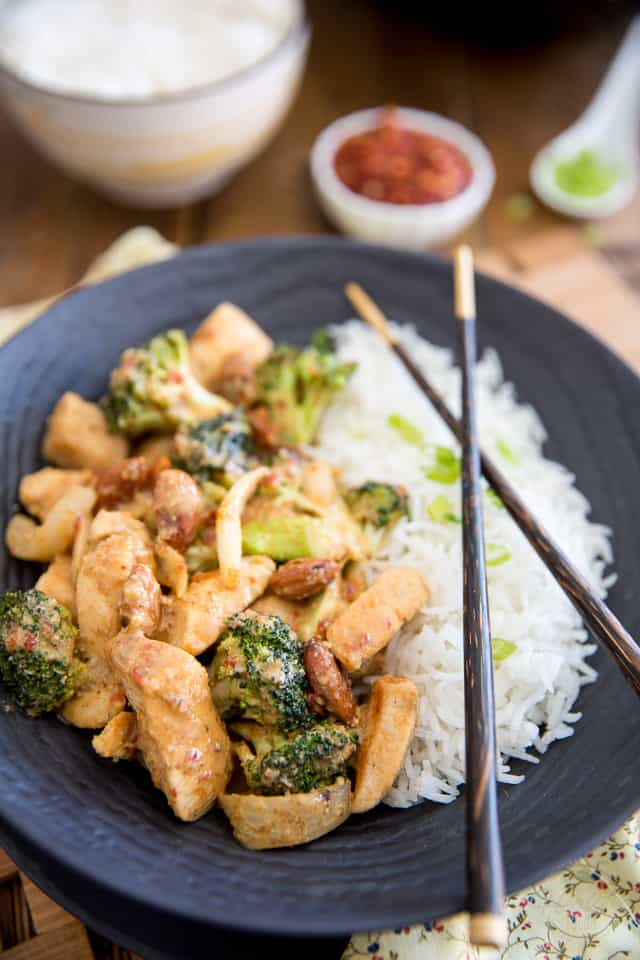 Broccoli Almond Chicken Asian Style by Sonia! The Healthy Foodie | Recipe on thehealthyfoodie.com