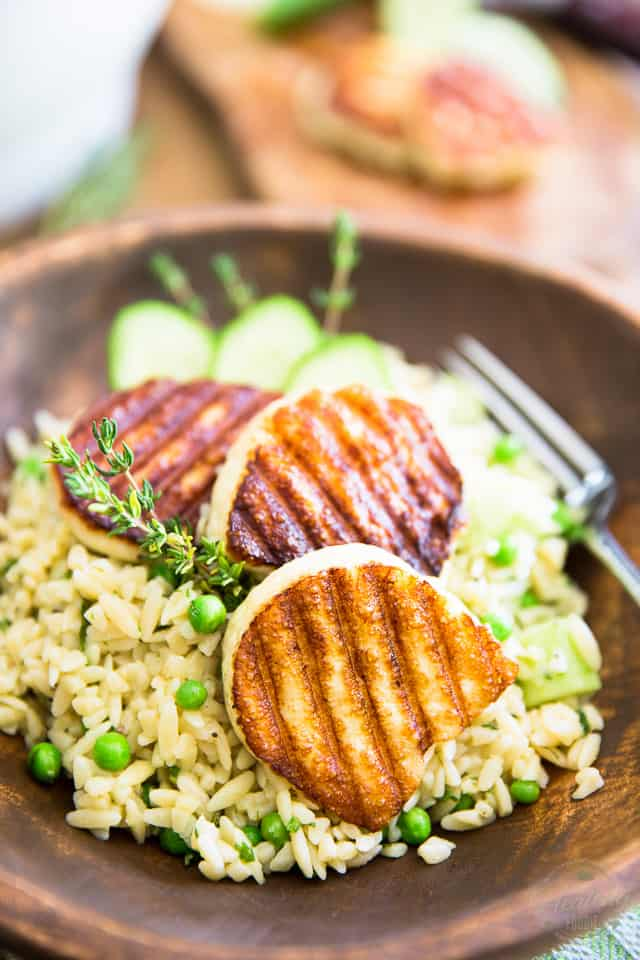 Cucumber and Peas Orzo Salad with Grilled Halloumi by Sonia! The Healthy Foodie | Recipe on thehealthyfoodie.com