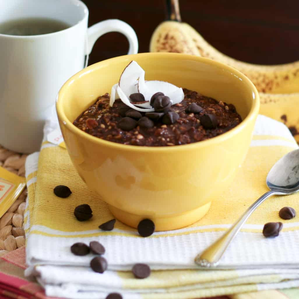 Chocolate and Banana Overnight Oats | thehealthyfoodie.com