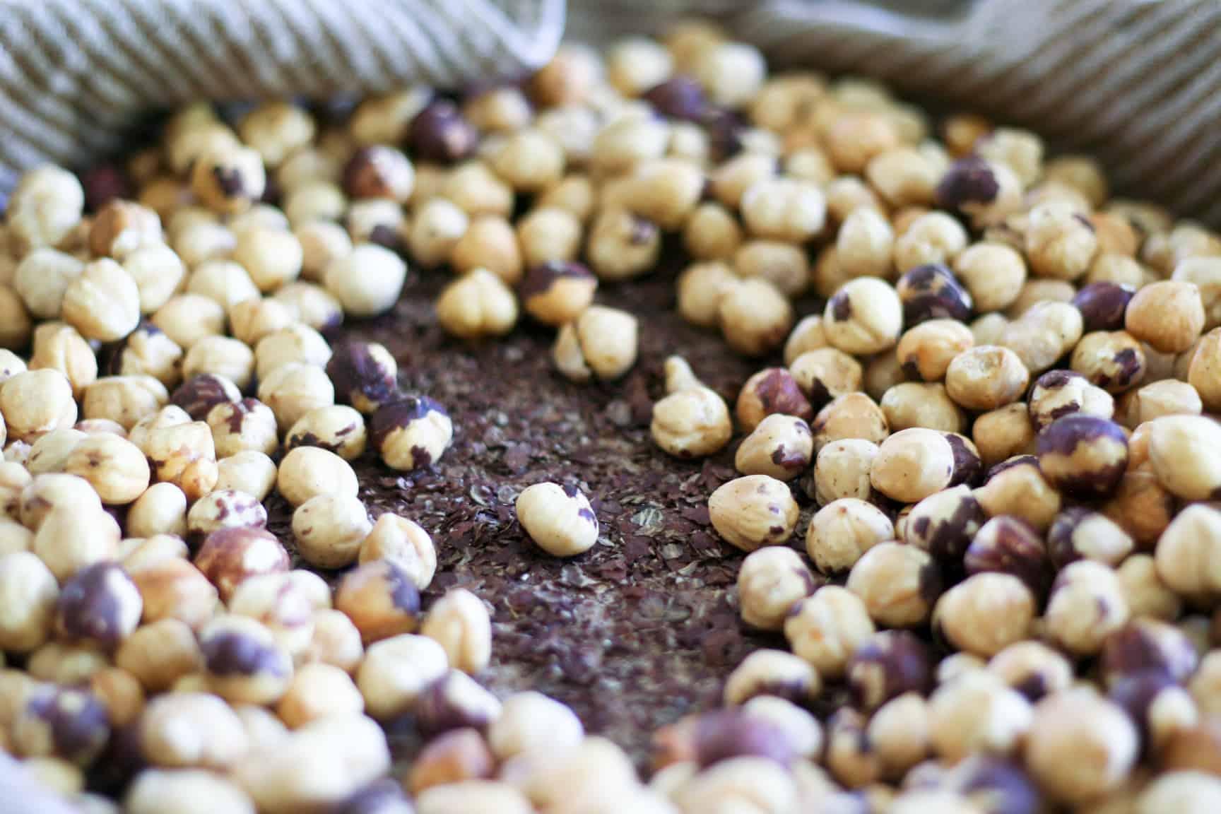 Dark Chocolate Hazelnut Butter | www.thehealthyfoodie.com