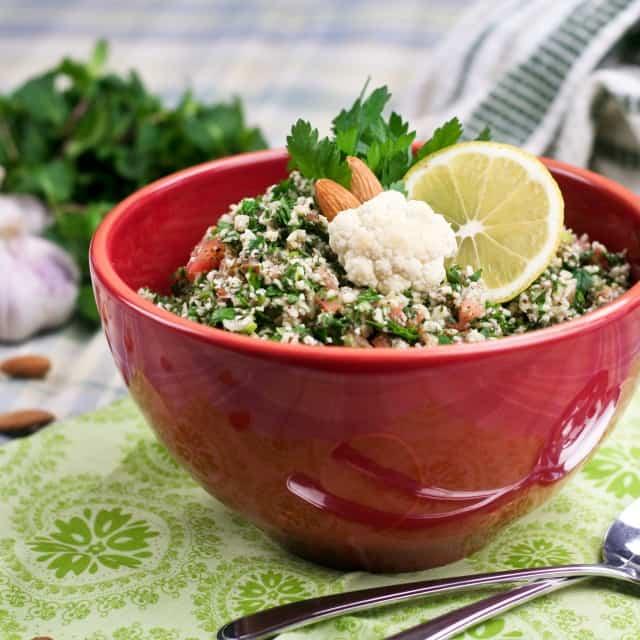 Grain Free Cauliflower Tabouleh | thehealthyfoodie.com