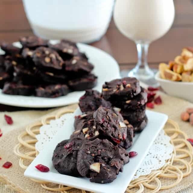 Paleo Dark Chocolate Cranberry Cookies