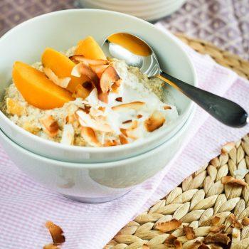 "Creamy Peaches and Coconut Quinoa ""Oatmeal"""