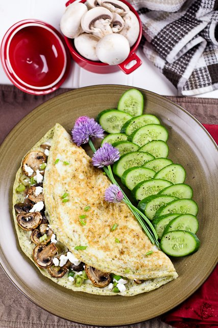 Mushroom green onion and goat cheese egg white omelet the healthy mushroom and goat cheese egg white omelet forumfinder Image collections