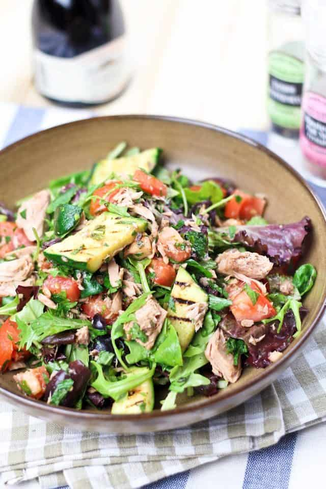 Tuna and Grilled Zucchini Salad | thehealthyfoodie.com