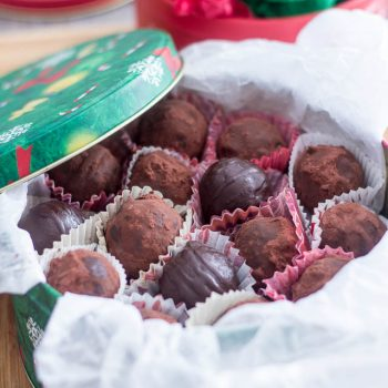 Paleo Dark Chocolate Truffles