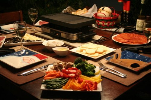 new year 39 s eve raclette and chocolate fondue the healthy foodie. Black Bedroom Furniture Sets. Home Design Ideas
