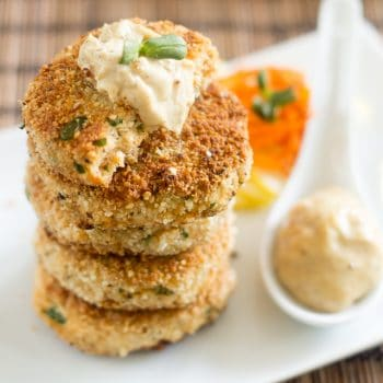 Paleo Crab Cakes | thehealthyfoodie.com