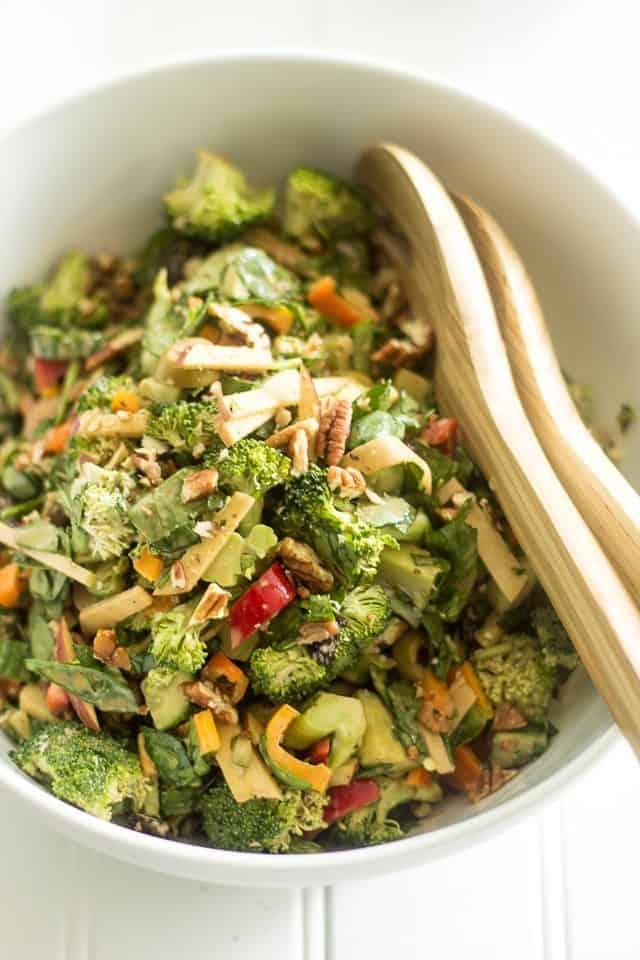 Creamy Broccoli Salad | thehealthyfoodie.com