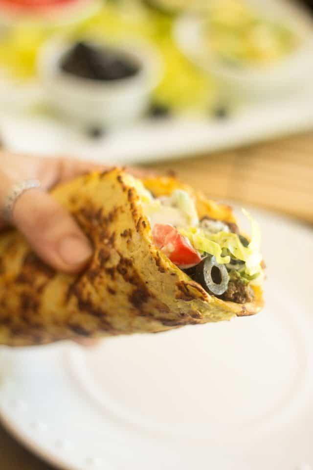 Paleo Tacos | thehealthyfoodie.com