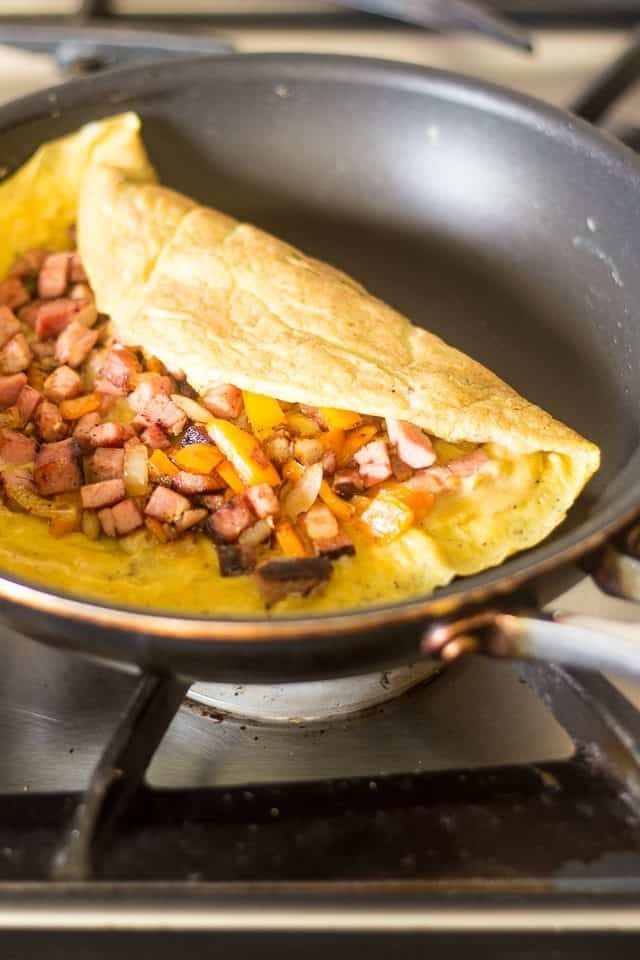 Simple Western Omelette | thehealthyfoodie.com