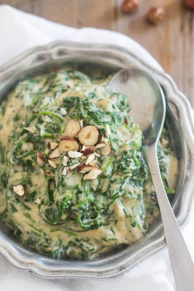 Paleo Creamed Spinach | thehealthyfoodie.com