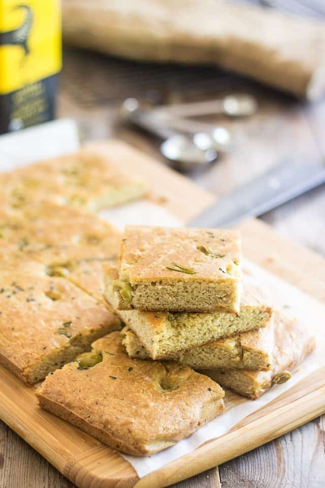 Olive Rosemary Fauxcaccia | thehealthyfoodie.com
