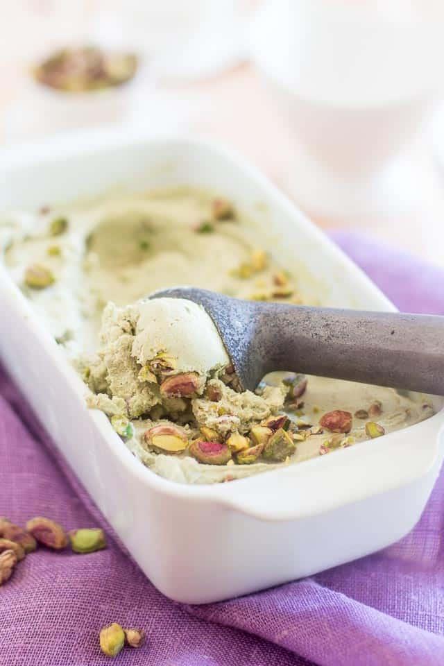 Avocado Pistachio Matcha Ice Cream | thehealthyfoodie.com