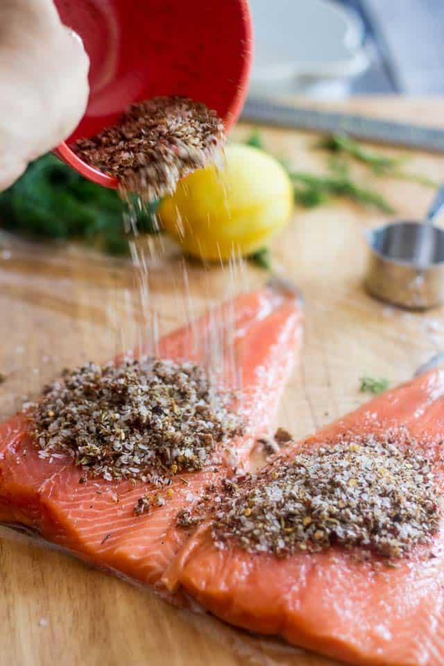Salmon Gravlax | thehealthyfoodie.com