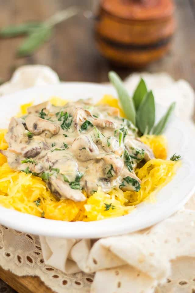 Creamy Mushroom Sauce over Spaghetti Squash | thehealthyfoodie.com