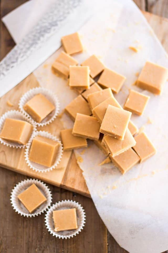 Paleo Toasted Coconut Fudge | thehealthyfoodie.com