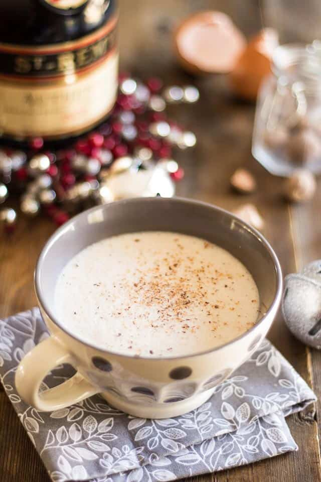 Quick and Easy Dairy Free Eggnog | thehealthyfoodie.com