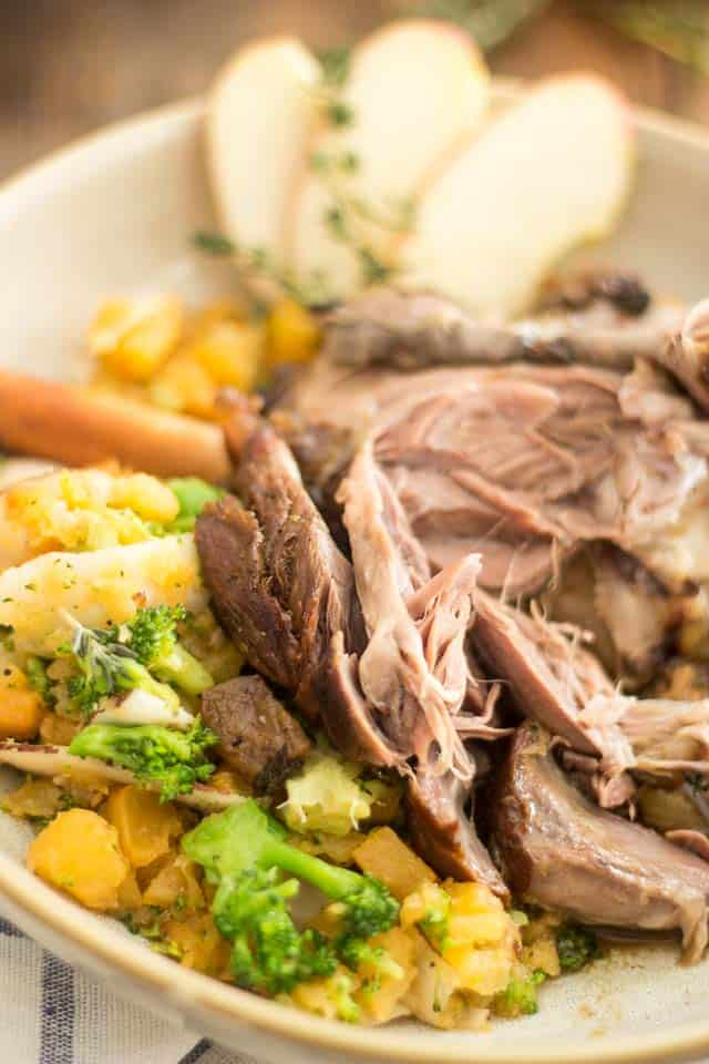 Spiced Apple Braised Lamb Shanks | thehealthyfoodie.com