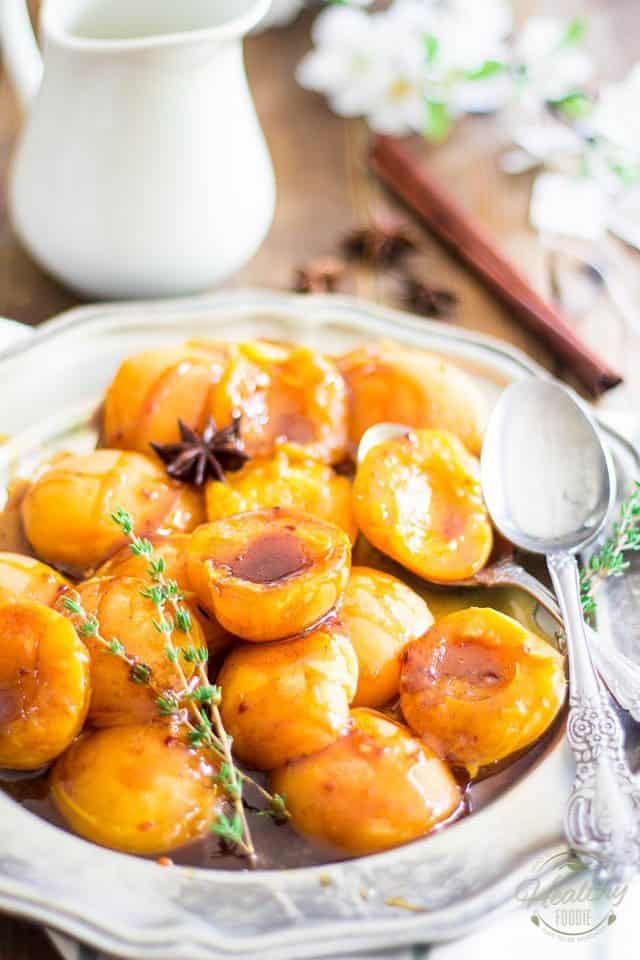 Poached Apricots | thehealthyfoodie.com