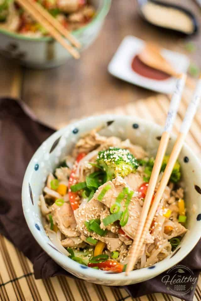 Chicken Pad Thai | thehealthyfoodie.com