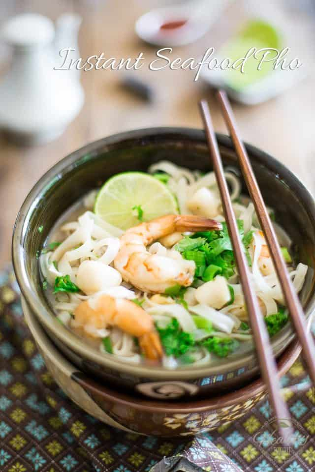 Instant Seafood Pho | thehealthyfoodie.com