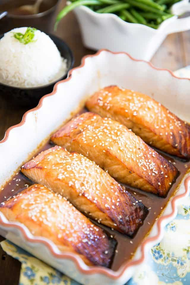 Honey Sesame Glazed Salmon | thehealthyfoodie.com