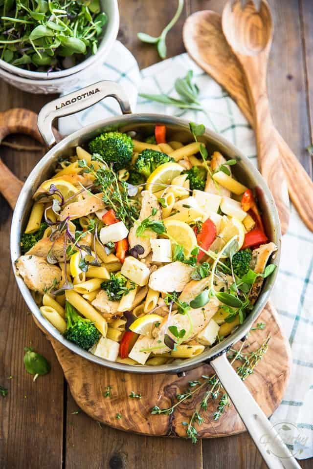 Warm Chicken Broccoli Penne Salad | thehealthyfoodie.com