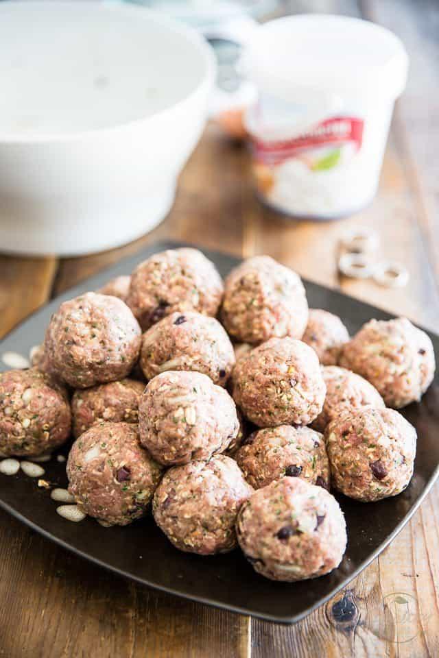Bocconcini Stuffed Meatballs | thehealthyfoodie.com