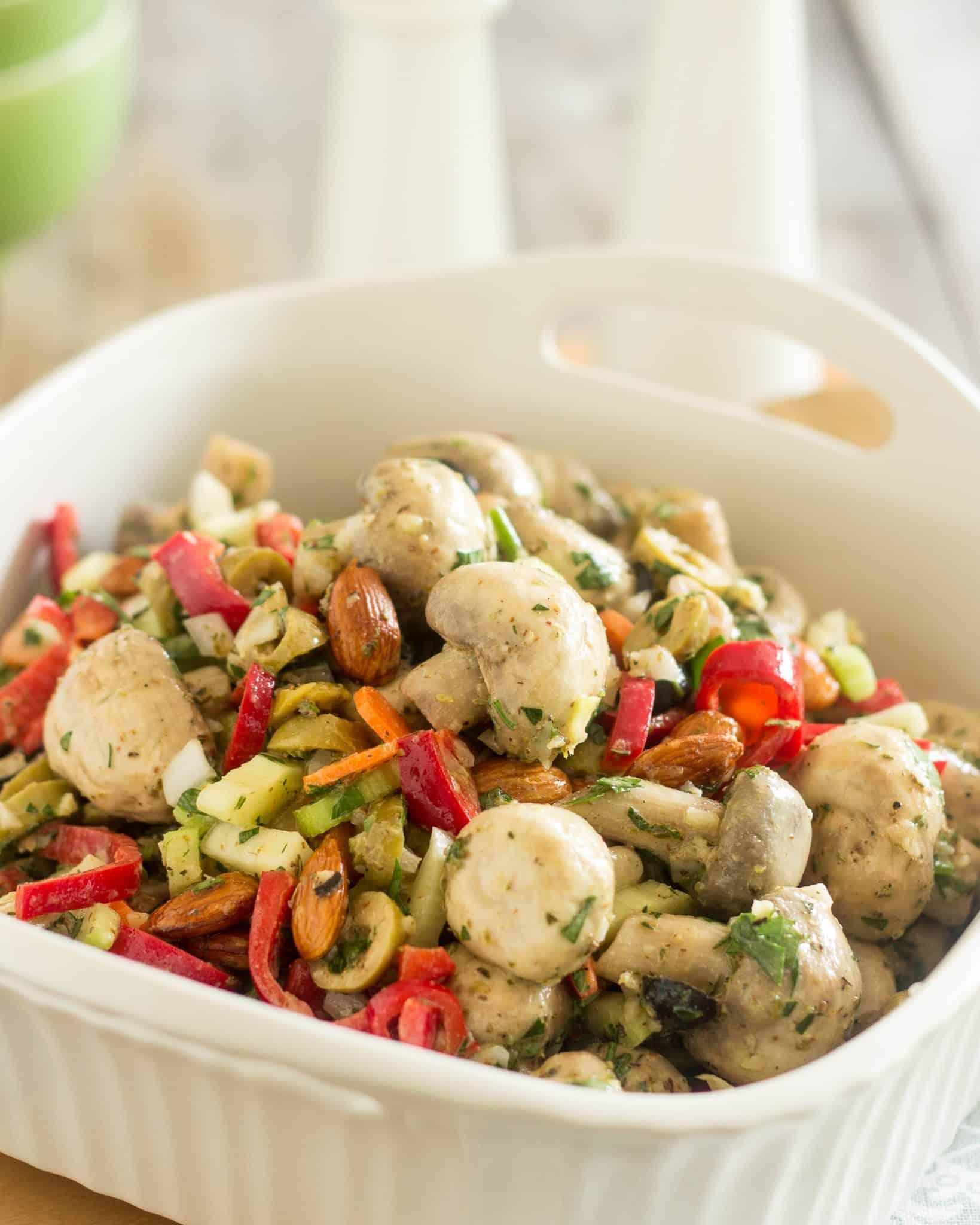 Marinated Mushroom Salad | thehealthyfoodie.com